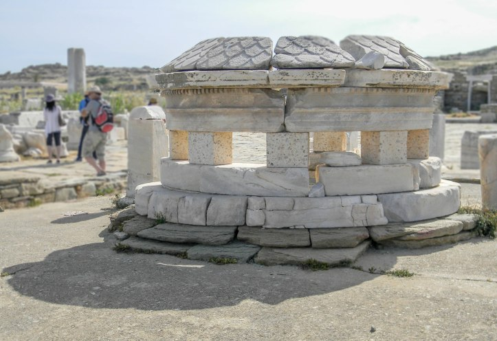 Delos fountain ruins-0372.jpg